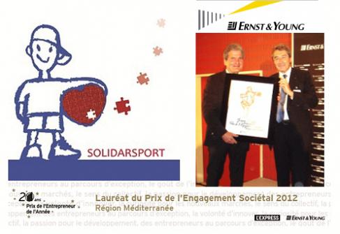 Jean Mane, Président du jury de la Région Méditerranée, remet le Prix de l'engagement sociétal à Jacques Rémond, Président-fondateur de Solidarsport